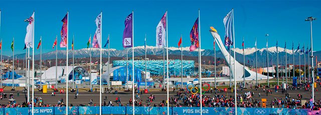 "Vue panoramique du parc olympique de Sochi 2014. Photo : Atos International via <a href=""http://upload.wikimedia.org/wikipedia/commons/2/2d/Olympic_Park_2014.jpg"">Wikimedia Commons</a>."