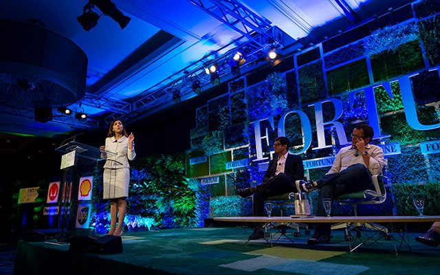 "Auf dem Foto ist Priyanka Bakaya während der Preisverleihung der ""Great Green Ideas"" von Fortune zu sehen (Flickr Photograph by Stuart Isett/Fortune Brainstorm Green)."
